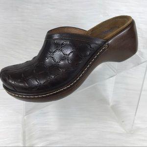 Clark's mules brown